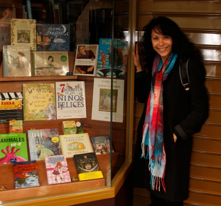 Amidst the Roman ruins and clacking storks of Mérida, I found a little book shop. Featured in the window were Pinochio, Tom Sawyer, Junie B. Jones, and Justin Bieber.